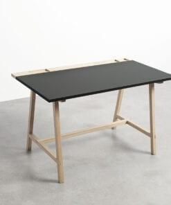 Enkelt og elegant arbejdsbord fra Andersen Furniture